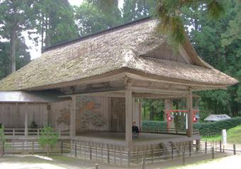 白山神社能楽堂